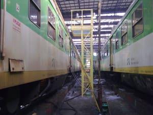 Podesty obsługowe do konserwacji wagonów