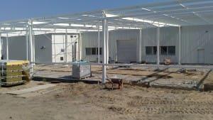 Hala magazynowo-produkcyjna o powierzchni 1000 m² - konstrukcja i obudowa